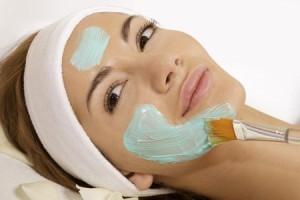Как очистить свое лицо от надоедливых черных точек?