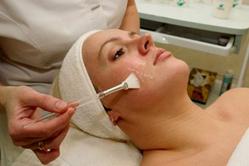 Гликолевый пилинг лица: процедура