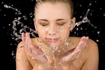 Шелушения на лице: методы избавления
