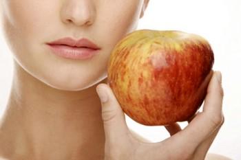 Маски из яблок для лица: результат