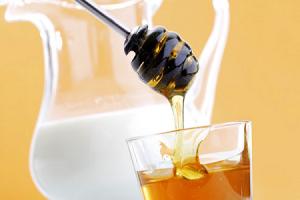 Маска для лица сметана и мёд в домашних условиях