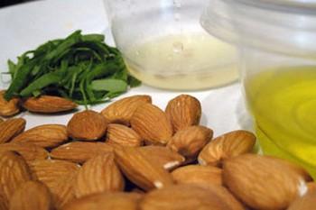 Масло миндальное для лица: рецепты