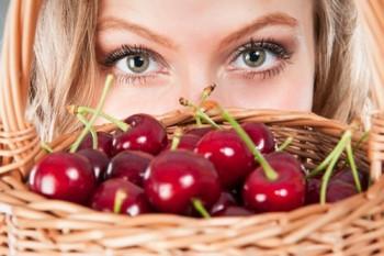 Маска для лица из вишни: показания к применению
