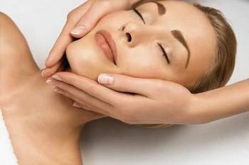 Как подтянуть кожу лица: массаж