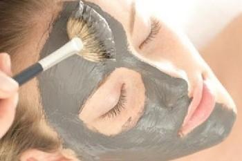 Чёрная глина для лица: как применять