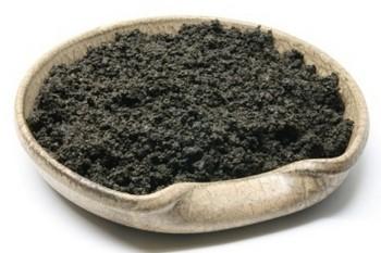 Чёрная глина для лица в домашних условиях