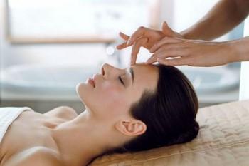 Пластический массаж лица: показания, техника, эффективность