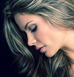 Домашний уход за седыми волосами: возможно ли предупредить раннюю седину