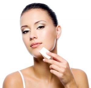 Как наносить тональный крем кистью