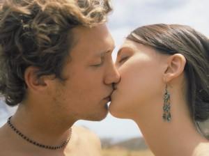 пошаговая инструкция поцелуя взасос - фото 2